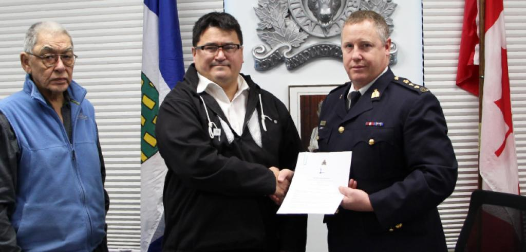 Inuvialuit Regional Corporation (IRC) and Royal Canadian Mounted Police (RCMP) participated in a signing ceremony on January 30, 2017 to officially recognize and implement the Public Safety Cooperation Protocol.